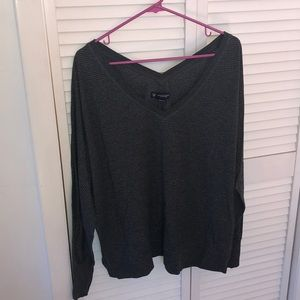 Long sleeve v neck shirt